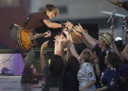 Keith Urban's 'Fuse' tops U.S. album chart