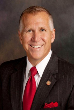 Thom Tillis projected to unseat Kay Hagan in North Carolina