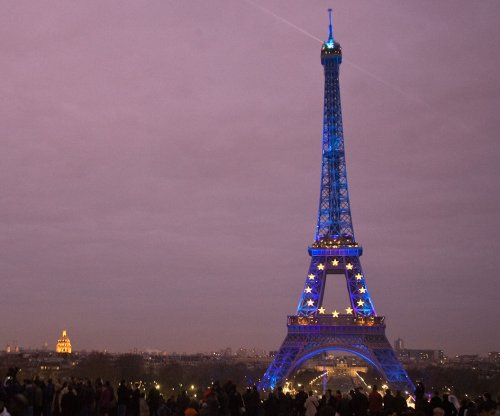 Drones spotted over Paris landmarks and U.S. embassy