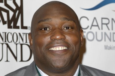 Warren Sapp charged with 3 counts of domestic battery