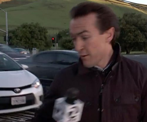San Francisco news reporter nearly hit by car during broadcast