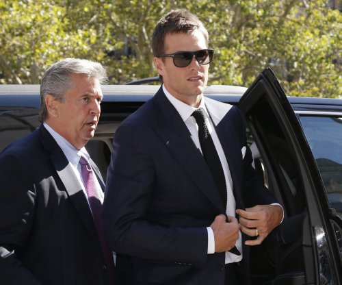 Tom Brady urges players to 'stand together' in collective bargaining talks