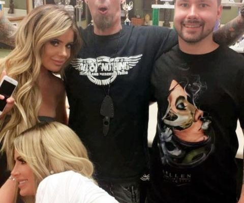 Kim Zolciak gets tattooed with husband Kroy, daughter Brielle