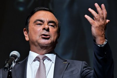 Report: Turkey questioning 7 after ex-Nissan CEO Carlos Ghosn flees Japan