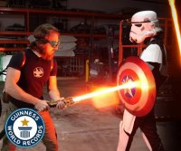 World's first 'Star Wars'-inspired lightsaber earns Guinness record