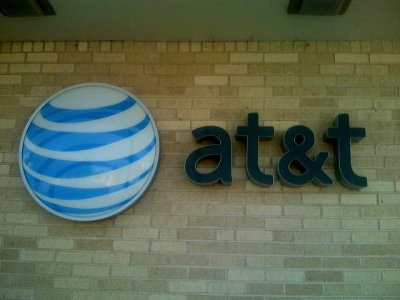 AT&T in talks to buy DirecTV for $50 billion