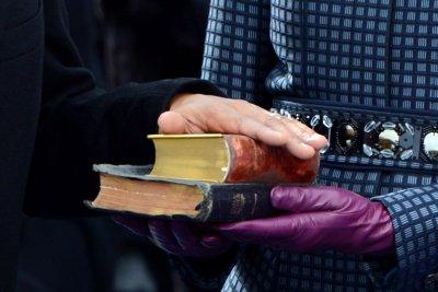 Judge hears dispute over MLK's Bible, Nobel medal