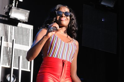 Azealia Banks throws racial slurs at Zayn Malik in Twitter rant