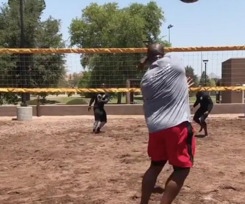 James Harrison boasts strength again by playing medicine balls volleyball