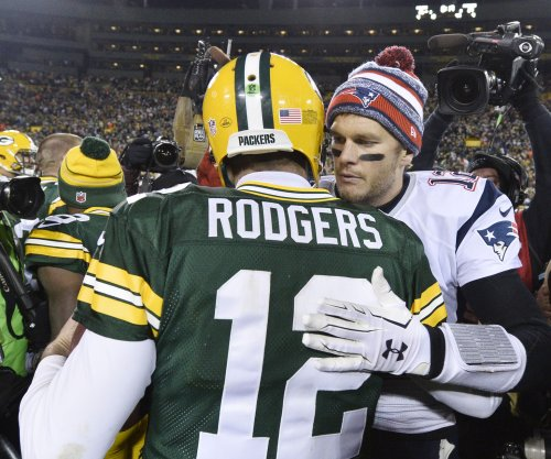 New England Patriots' Tom Brady, Green Bay Packers' Aaron Rodgers post about unity, brotherhood