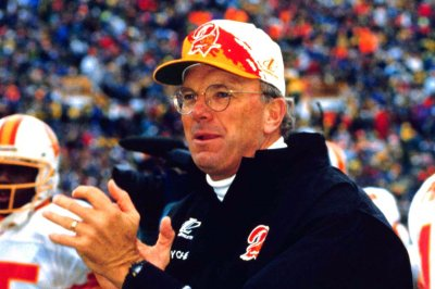 Longtime Bengals coach Sam Wyche dies at 74
