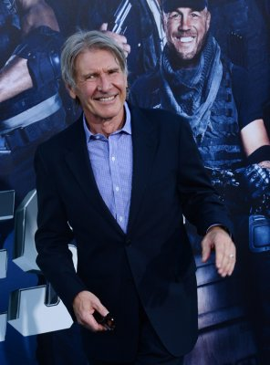 'Star Wars: Episode VII' back on track after Harrison Ford injury