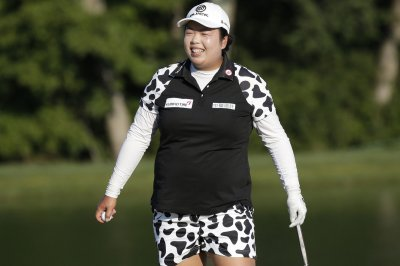 LPGA China: Shanshan Feng takes Blue Bay lead