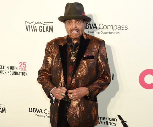 Joe Jackson, father and manager of the Jackson 5, dead at 89