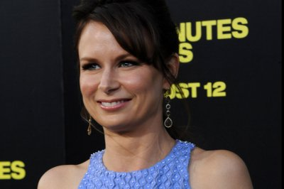 Christina Ricci, Chris Parnell, Mary Lynn Rajskub to star in Amazon pilots