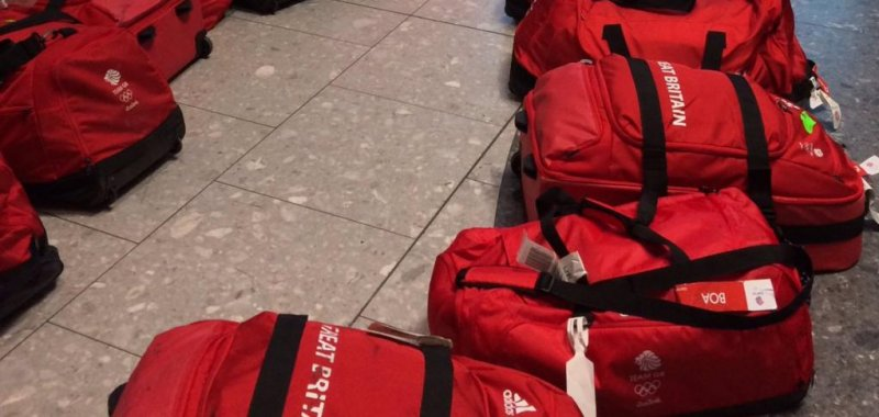 c34394050387 Look: Team Great Britain's matching bags complicate homecoming - UPI.com