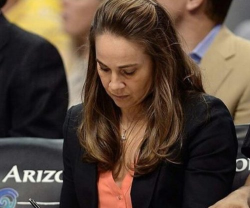 Florida offers San Antonio Spurs' Becky Hammon coaching job