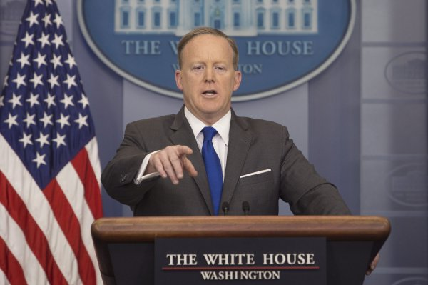 Watch live: Sean Spicer gives daily press briefing - UPI.com