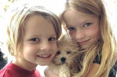 Jessica Simpson posts photo of her kids with new puppy