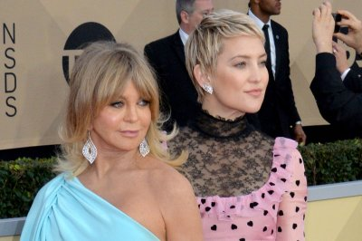 Kate Hudson: Goldie Hawn was 'right in there' during Rani's birth