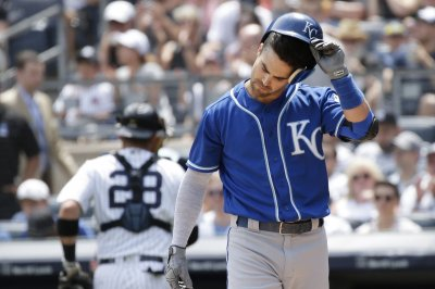 Royals agree to $16.25M extension with 2B Whit Merrifield