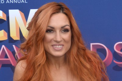 WWE's Becky Lynch, Ronda Rousey trade insults on Twitter