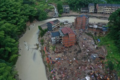 22 dead in eastern China after typnoon Lekima makes landfall