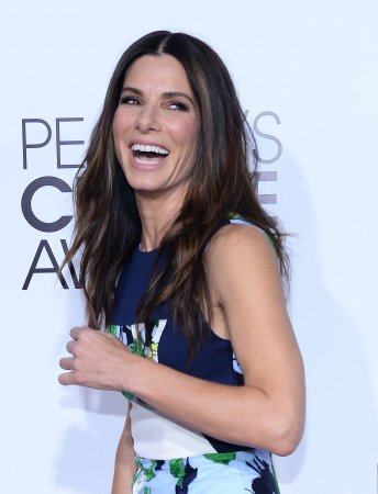 Sandra Bullock wins big at People's Choice Awards