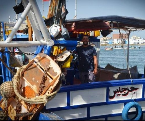 Tunisia's fishermen rescuing migrants, burying the dead