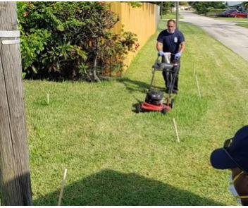 Fla. firefighters treat man who fell ill in heat, finish mowing his lawn