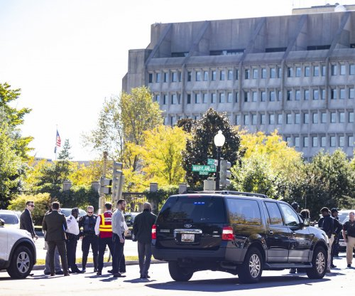 Police evacuate 3 buildings on Capitol Hill after HHS bomb threat