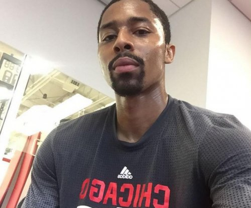 Chicago Bulls sign G Spencer Dinwiddie to deal