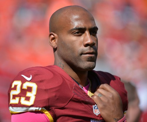 Washington Redskins place S DeAngelo Hall on IR, bolster o-line with John Sullivan