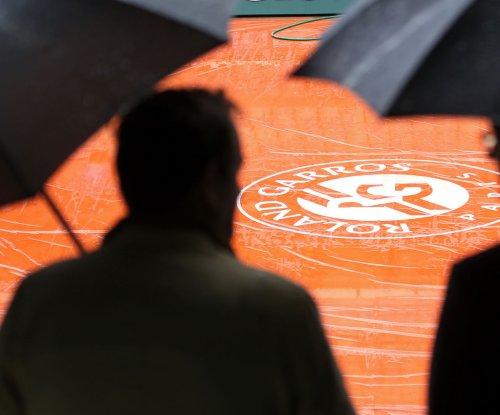 Jelena Ostapenko upsets Caroline Wozniacki at French Open