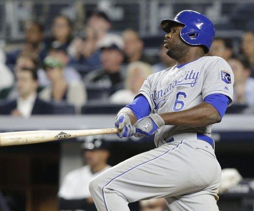 Lorenzo Cain's walk-off single lifts Kansas City Royals past Texas Rangers