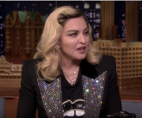 Madonna impersonates Kim Kardashian on 'Tonight Show'