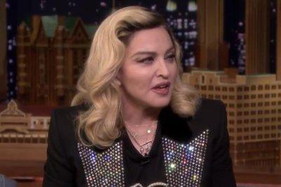 Madonna impersonates Kim Kardashian on 'Tonight Show'
