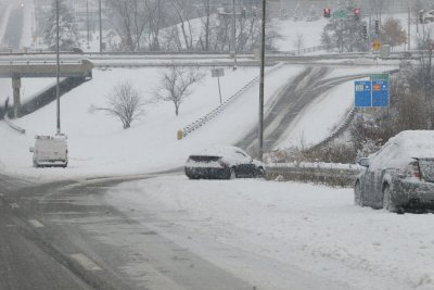 Winter storm moves east, leaves thousands without power on Atlantic coast