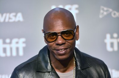 Dave Chappelle extends Broadway residency