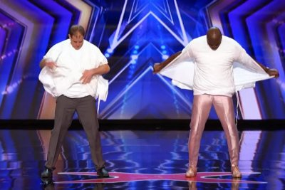Man tears T-shirts on 'America's Got Talent' for Guinness record