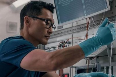 'Stowaway' photo shows Daniel Dae Kim play spaceship biologist