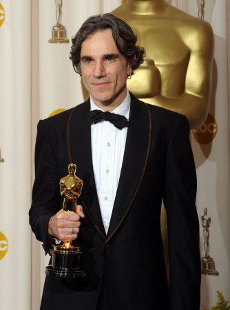 Day-Lewis wins best actor Oscar