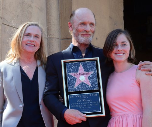 Ed Harris gets star on Hollywood Walk of Fame