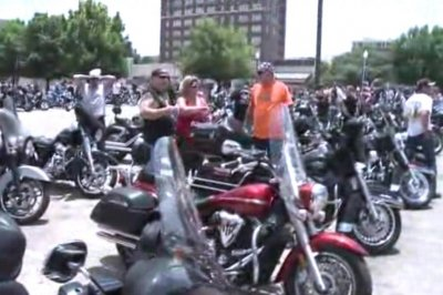 Hundreds of bikers protest gang shooting aftermath in Waco