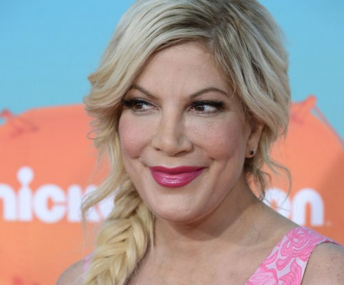 Tori Spelling, Ivan Sergei to star in vampire-themed 'Mother, May I Sleep with Danger?' re-make