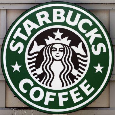 Starbucks revamps logo