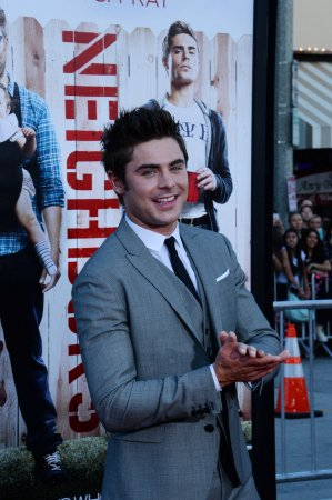 'Neighbors' charges past 'Spider-Man 2' at weekend box office