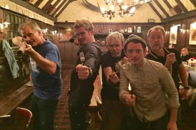 'Lord of the Rings' stars Elijah Wood, Orlando Bloom reunite
