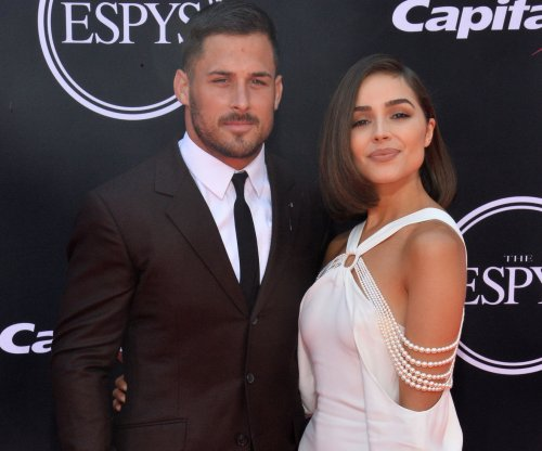 New England Patriots' Danny Amendola gets modeling deal
