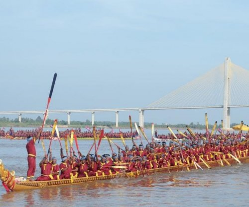 World's largest dragon boat built in Cambodia